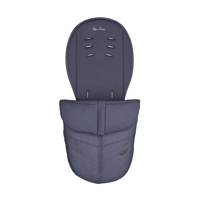 Муфта для ног Horizon/Wayfarer Midnight Silver CrossКонверты и муфты<br>Синяя муфта для коляски Silver Cross создана для защиты Вашего ребенка от непогоды. Практичная модель в комплекте с матрасиком создаст максимальный комфорт и сохранит тепло во время длительных прогулок.